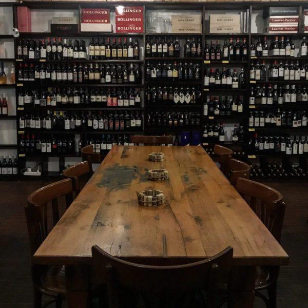 tavolone all'enoteca ricerca vini