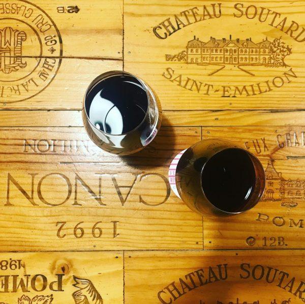 visitare bordeaux e bere vino al calice