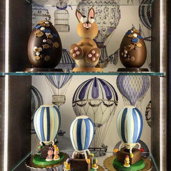 le uova di cioccolato nelle pasticcerie di milano