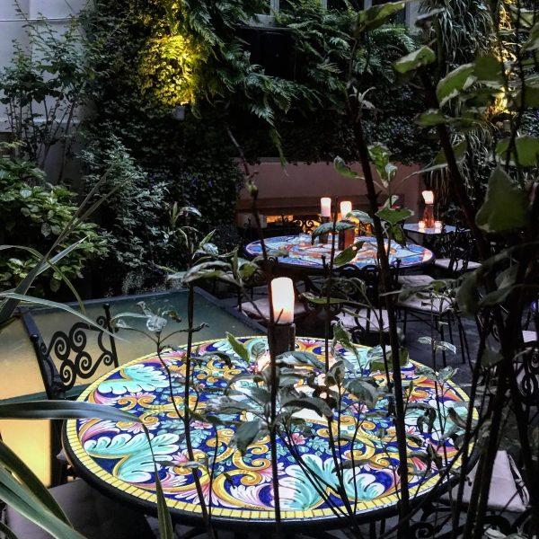 Canteen tra i Ristoranti con giardino a Milano