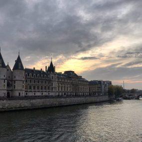Aria di Parigi sulla Senna