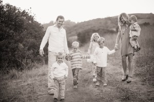 Wallace Family; One Glass Slipper; Fall photo shoot; canyon; five kids