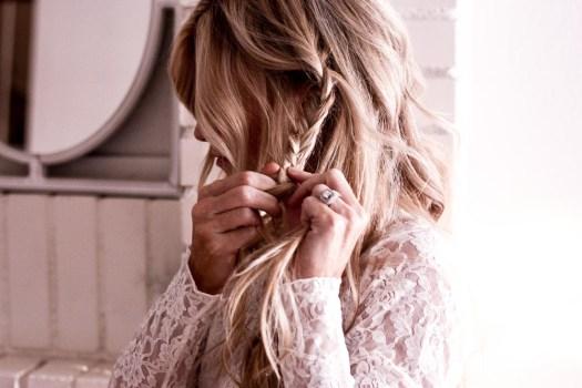 super easy three step braid; step by step tutorial for the lisa braid; blonde hair; long blonde hair