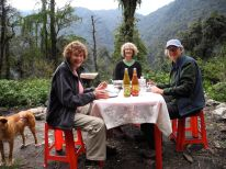A luxurious lunch along the way….