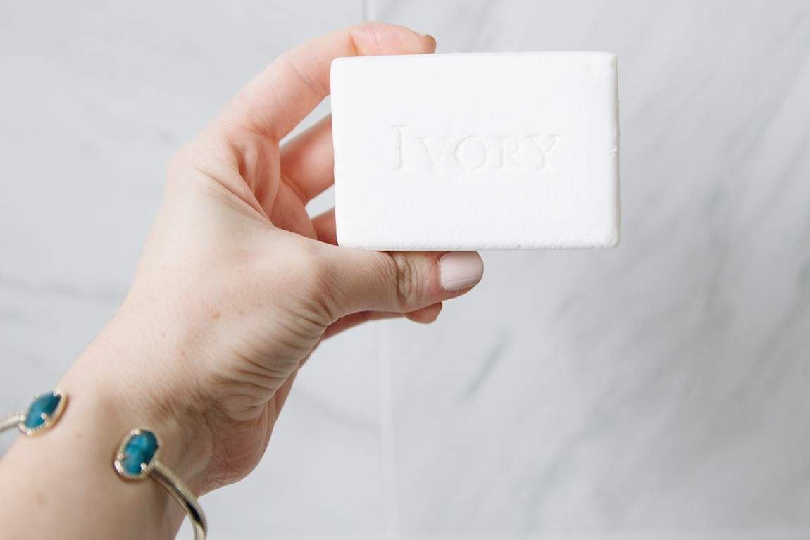 Houston blogger Meg O. on the Go shows us how to clean makeup sponges with Ivory Clean Original Bar soap