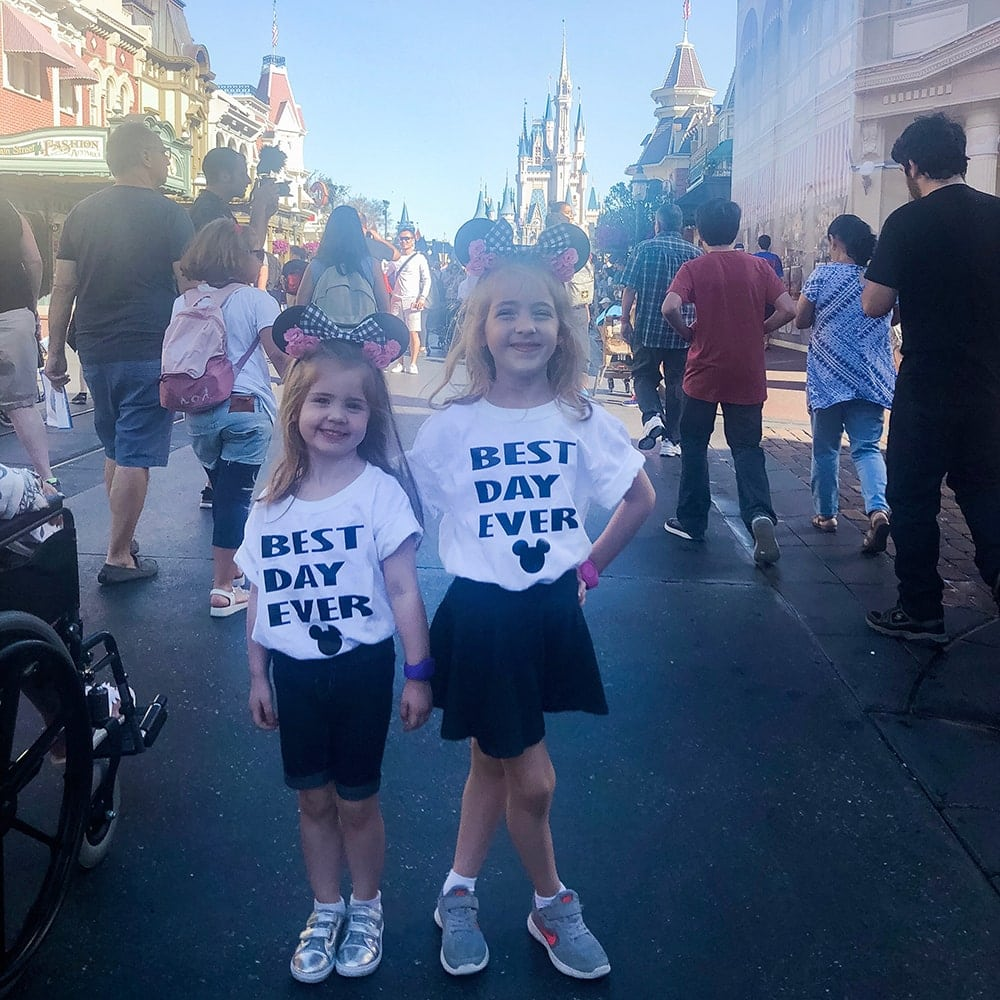 Houston blogger Meg O. on the Go shares what to wear in Disney World! These Best Day Ever t-shirts are so cute!