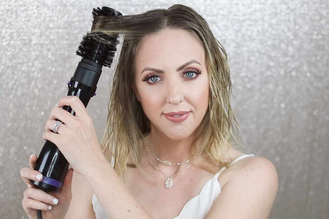 Houston blogger Meg O. on the Go uses the Conair InfinitiPro Spin Air Brush Styler for a blowout and beachy waves