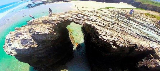 Limitan a 4.812 personas diarias el acceso a la playa de As Catedrais en Semana Santa