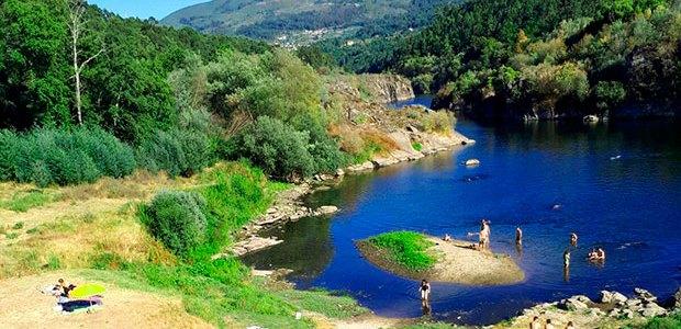 Playa fluvial de Sela y aguas medicinales