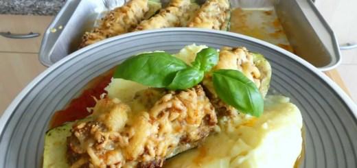 Gefüllte Zucchini mit Hackfleisch und Püree