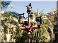 Laternen auf der Plaza Real  Meisterwerke von Antoni Gaud