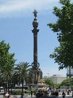 Das Kolumbus Denkmal  zwischen la Rambla und dem Hafen