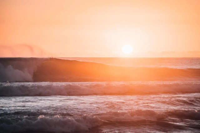 Wellen in Portugal perfekts Vanlife