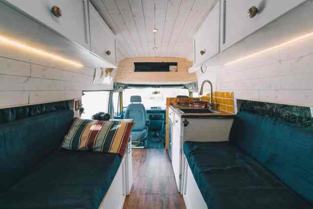 Camper Interview Vanlife LTD Convoy minibus innen 2