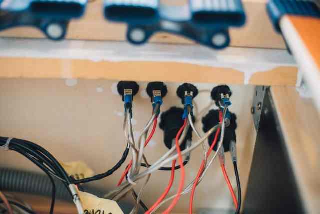 Verkabelung der Schalter für die Camper Elektrik