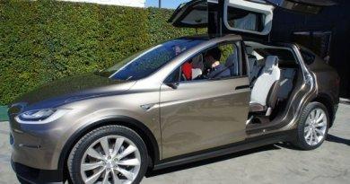 Das Elektroauto Tesla Model X von Tesla Motors. Bildquelle: Tesla Motors /Übergizsmo