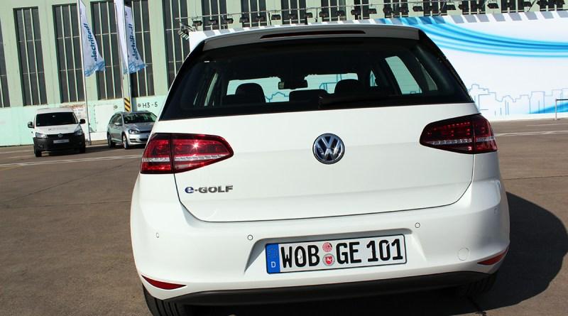Elektroauto VW e-Golf von hinten