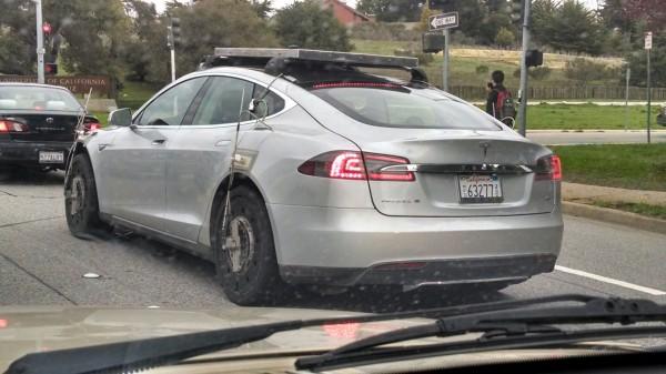 Elektroauto Tesla Model X Test-Esel – Via Reddit User Duck 97