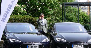 Das Elektroauto Tesla Model S dient RUHRAUTOe vor allem als Imageträger. Bildquelle: Uni Duisburg/Essen