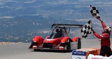 Zielflagge nach 9 Minuten, 8 Sekunden und damit Platz zwei in der Gesamtwertung für für den MiEV Evolution III. Bildquelle: Mitsubish