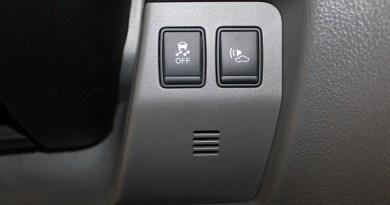 Elektroauto Nissan e-NV200 ESP und künstliches Fahrgeräusch.