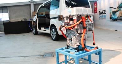 Elektroauto Nissan e-NV200 Elektromotor und Komponenten