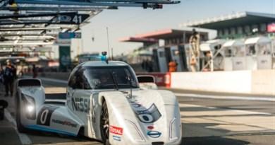 Elektroauto Nissan ZEOD RC fährt bei dem Le Mans- Rennen. Bildquelle: Nissan