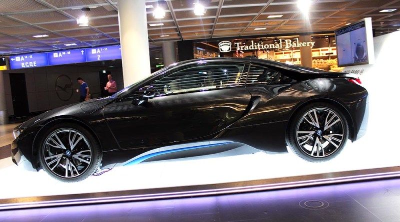 Plug-In Hybridauto BMW i8 in Frankfurt am Main seite