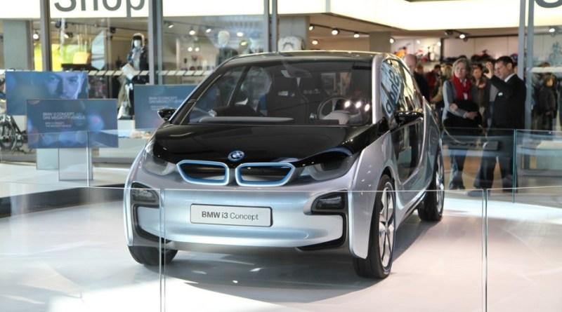 Das Elektroauto BMW i3 gibt es optional auch mit einem Range-Extender (Reichweitenverlängerer). ©Adam Haranghy – flickr.com