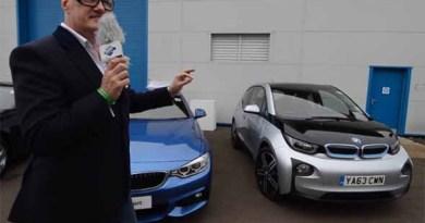 Rechts ist das Elektroauto BMW i3 zu sehen. Bildquelle: GreenFleet Events / Youtube