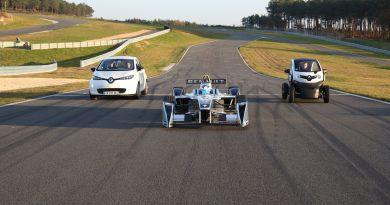 Renault stellt Elektroautos für den normalen Straßenverkehr und für die Rennstrecken her (vlnr) : Zoe, Spark-Renault SRT_01E und Twizy. Bildquelle: Renault