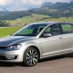 Plug-In Hybridauto VW Golf GTE schräg vorne