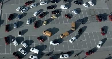 Wie viele Elektroautos passen auf eine Brücke? Es sind mindestens 160 - wobei auf die Öresundbrücke natürlich noch viel mehr Stromer passen würden. Bildquelle: Screenshot von CO2GreenDrive/Youtube