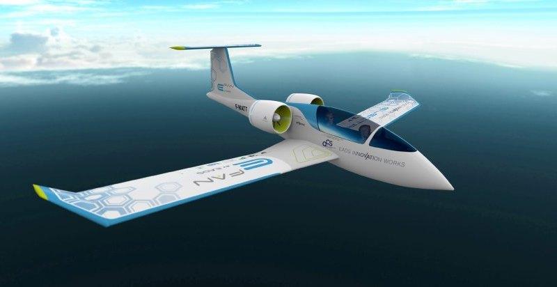 Das Elektroflugzeug Airbus E-Fan 2.0 soll in einer Kleinstauflage von 100 Stück gebaut werden. Bildquelle: Airbus / EADS