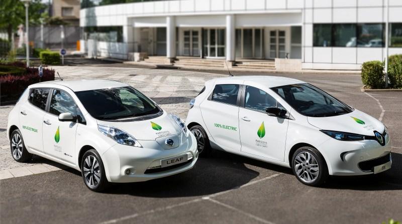 Links im Bild sieht man das Elektroauto Nissan Leaf und rechts den Renault Zoe. Bildquelle: Renault-Nissan