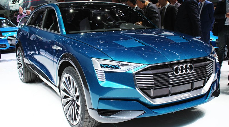 Das Elektroauto Audi e-tron quattro concept wurde auf der IAA 2015 in Frankfurt am Main präsentiert, im Jahr 2018 soll es auf den Markt kommen.