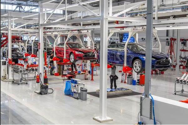 Hier wird das Elektroauto Tesla Model S montiert. Bildquelle: Tesla Motors