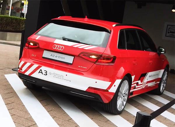 Dieser Versuchsträger in Form des Plug-In Hybridauto Audi A3 ist mit dem Wireless Charging System und einem Assistenzsystem zum automatischen ein- und ausparken ausgestattet. Gezeigt wurde das System unter anderem auf der IAA in Frankfurt am Main.