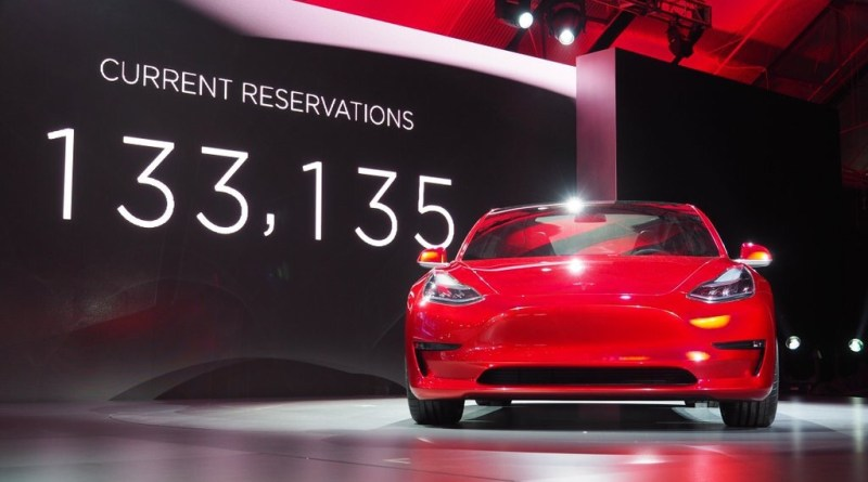 Elektroauto Tesla Model 3. Bildquelle: http://www.autoblog.com/green/