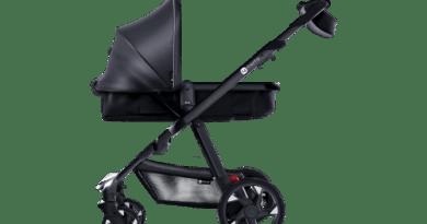 Moxi ist der Kinderwagen für ElektroautoFans. Bildquelle: 4moms