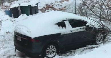 Die Vorheizfunktion lief gut eine Stunde, in der das Wageninnere auf ca, 28 C° vorgewärmt wurde. Bildquelle: Screenshot des Videos von Now you Know / Youtube.com