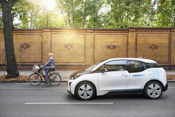 DriveNow setzt unter anderem das Elektroauto BMW i3 in seiner CarSharing-Flotte ein. Bildquelle: DriveNow
