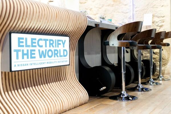 Nissan's Electric Cafe opens in Paris. Bildquelle: Nissan