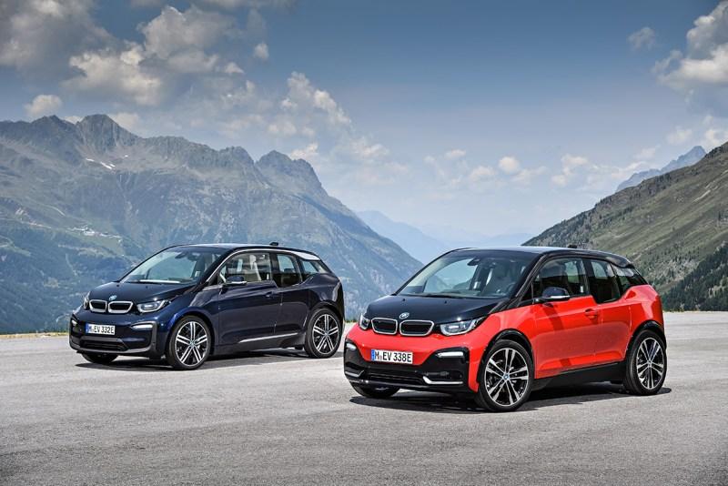 Elektroauto BMW i3 2018 und BMW i3s (rechts). Bildquelle: BMW