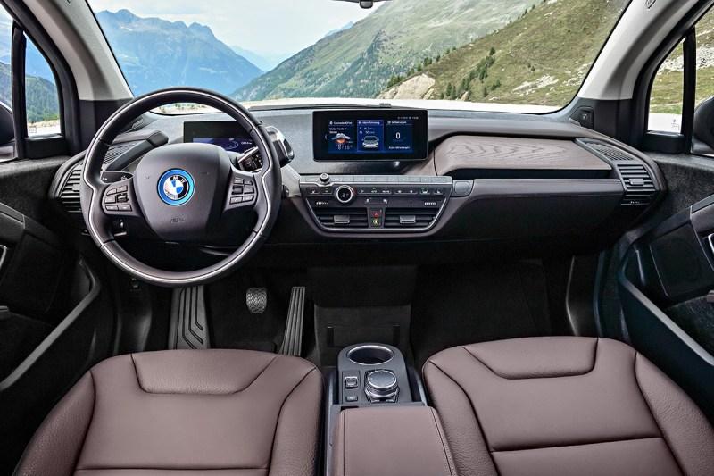 Elektroauto BMW i3s interieur und Cockpit. Bildquelle: BMW