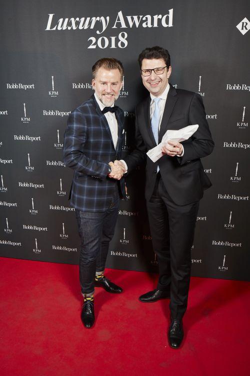 Trezor, Concept Car, Design, Luxury Award, Jörn Kengelbach (l.), Martin Zimmermann, Vorstand Kommunikation Renault Deutschland AG, 2017. Bildquelle: Renault