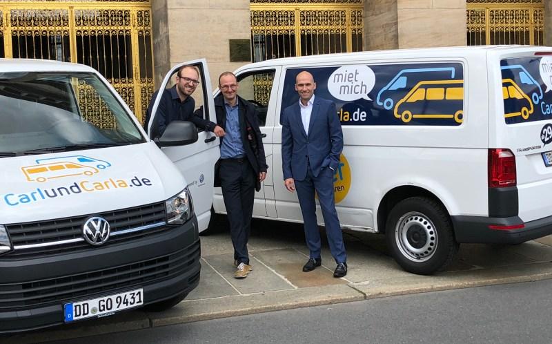 Neues Förderprogramm & Kooperation mit Volkswagen vereinbart (von links): Richard Vetter (Mitgründer CarlundCarla.de), Dr. Robert Franke (Wirtschaftsförderung der LH Dresden), Marco Weiß (Gläserne Manufaktur). Foto: VW