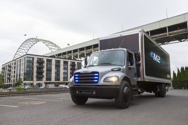 Electrically driven medium heavy duty eM2 truck for local use Fully electric medium duty truck eM2 for local distribution. Source: Daimler AG