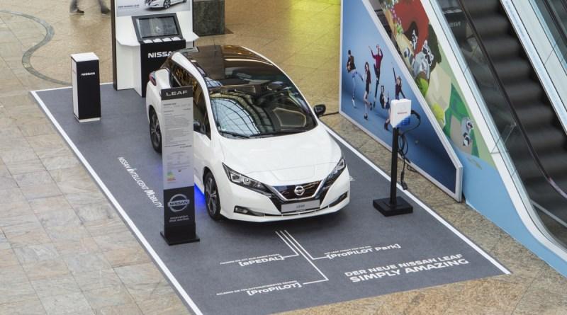 Shoppen und schauen: Der Nissan LEAF auf Roadshow in den großen Einkaufszentren. Bildquelle: Nissan