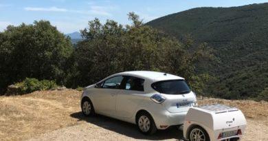 Das Elektroauto Renault Zoe mit dem Ladeanhänger von EP Tender. Bildquelle: EP Tender